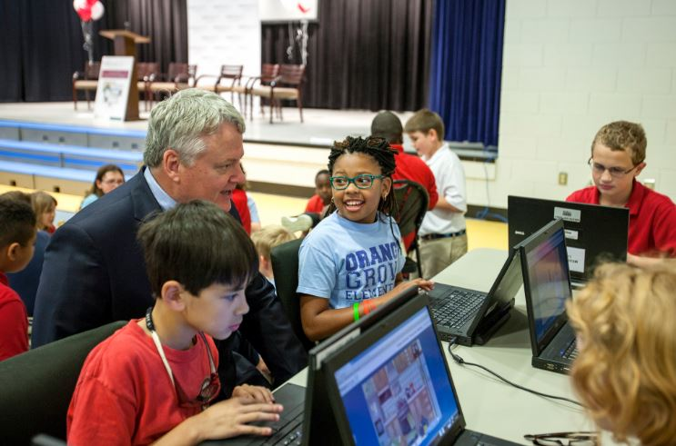 Treasurer visiting Financial Literacy event