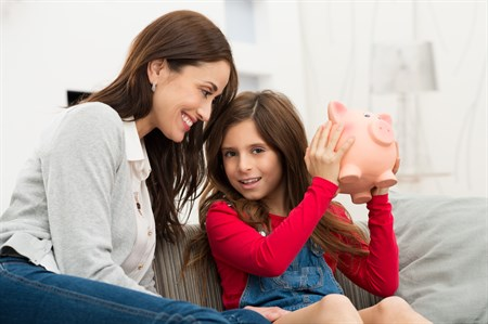Adams Istock Girl And Mom With Bank
